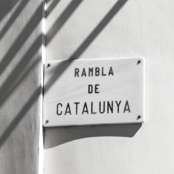 Bienvenidos a Barcelona y a Farmacia Catalunya.