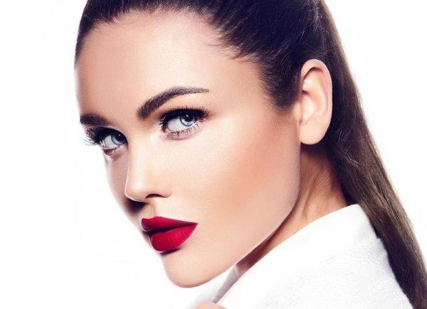 Com maquillar-te si tens marques d'acne