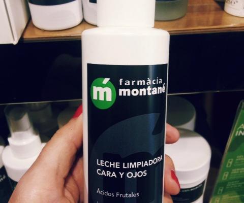 Higiene facial con la leche limpiadora car ay ojos Farmàcia Montané