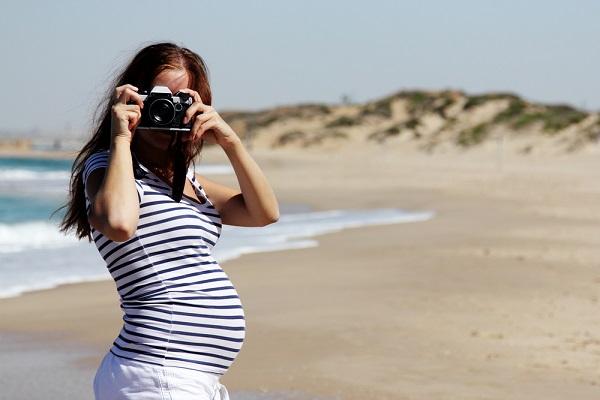 10 recomendaciones para viajar embarazada en verano