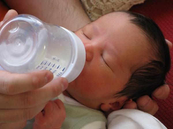 Claves para escoger biberón y tetinas para tu bebé