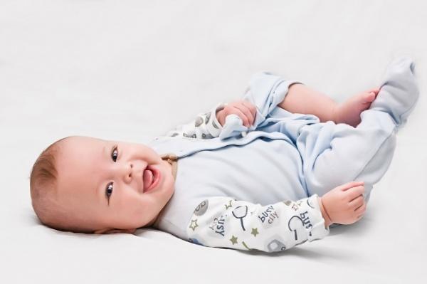 Las etapas del bebé: el sexto mes