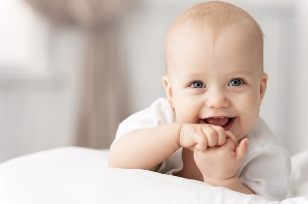Las etapas del bebé: los cuidados a los 5 meses