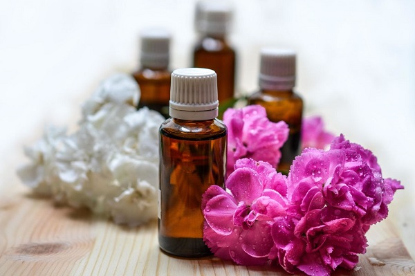Los tres aceites esenciales que te ayudarán a eliminar virus y bacterias en tu hogar