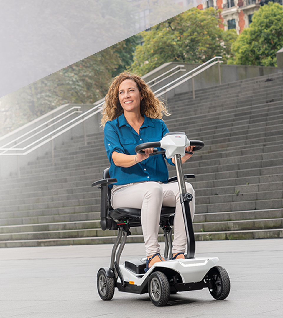 Moverse con una scooter eléctrica plegable