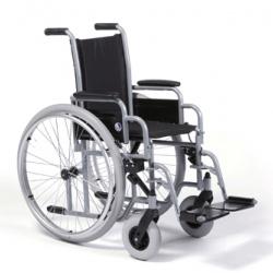 Cadira de rodes infantil plegable amb respatller fixe