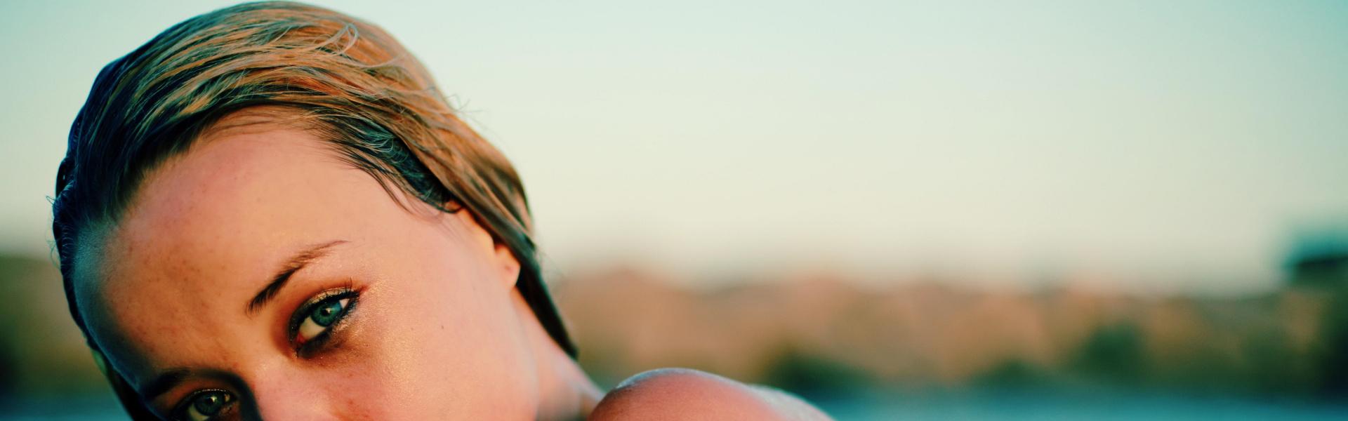 Consells per utilitzar lents de contacte a l'estiu